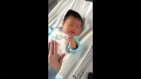 新生児 しゃっくり よく する