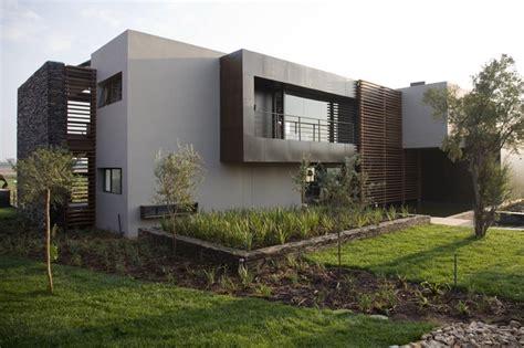 serengeti house contemporary exterior  nico van der meulen architects