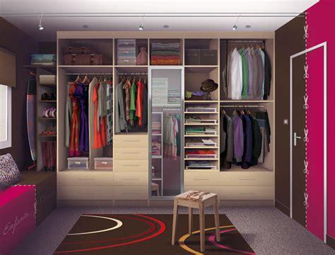dressing moderne chambre des parent chambre moderne avec dressing design de maison