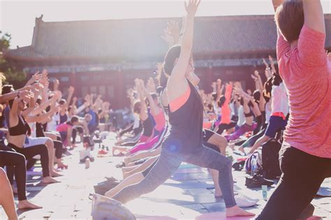 lululemon helps chinas affluent young professionals warm