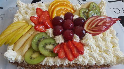 decoration de gateau avec des fruits g 226 teau d anniversaire aux fruits la cuisine de nawal