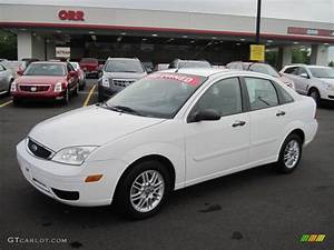 Ford Focus 2006 : 2006 cloud 9 white ford focus zx4 se sedan 48268696 ~ Melissatoandfro.com Idées de Décoration