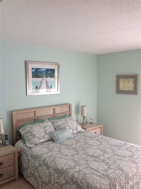 finished bedroom behr water mark paint from home depot
