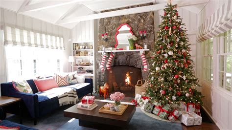 Pretty Red-and-white Scandinavian Christmas