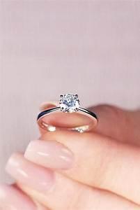 Tiffany Ring Verlobung : pin von nova auf verlobungsringe pinterest ring verlobung verlobungsring und verlobung ~ Orissabook.com Haus und Dekorationen