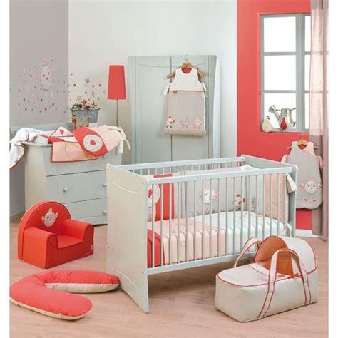 jeux de décoration de chambre de bébé décoration chambre bébé corail enfants