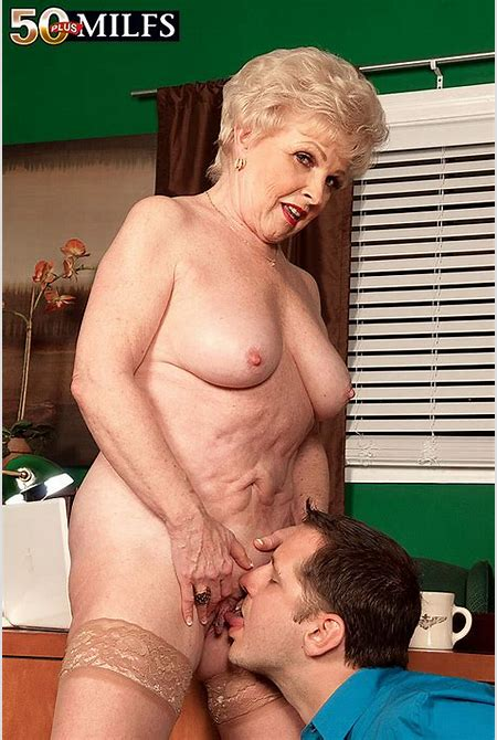 Natural hairy women over 50 - Thepicsaholic.com