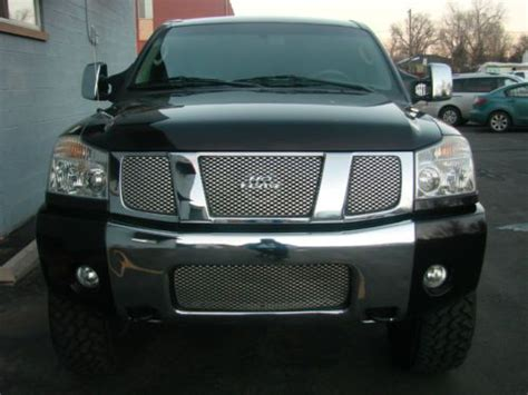 find   nissan titan le crewcab  fear edition