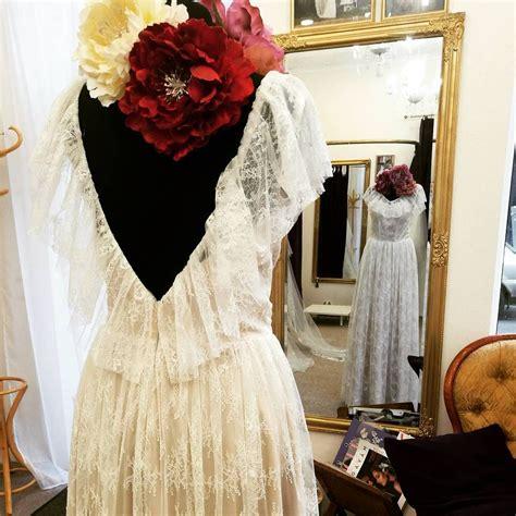 Gaisīgie mežģīņu volāni Tavā kāzu kleitā, Tevi padarīs ...