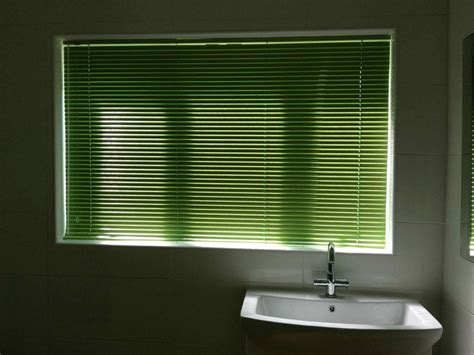 lime green kitchen blinds how to lime green venetian blinds may make your room 7091