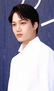 EXO's Kai looked classy AF at Burberry's recent fashion ...