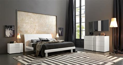 chambre parentale grise black and white bedrooms a symbol of comfort that is