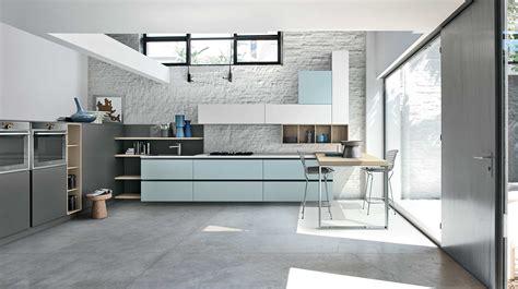 cuisine basse cucina con colonne basse caretta design