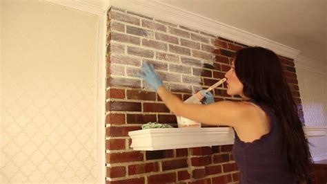 Backsteinwand Innen Aufarbeiten by How To Whitewash Brick Fireplace Fireplace Design Ideas
