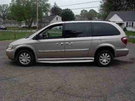 Purchase Used 2005 Chrysler Town & Country Touring