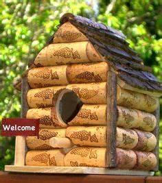maison pic bouchons de bois et vins bouchon de With idee deco de jardin exterieur 9 mangeoire oiseaux dans le jardin 25 idees faciles 224 bricoler