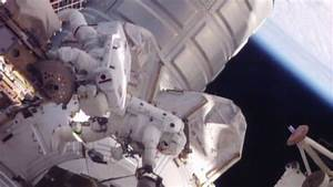 Astronauts Make Quick Work of Short Spacewalk
