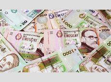 Billetes de 20, 200 y 1000 pesos uruguayos