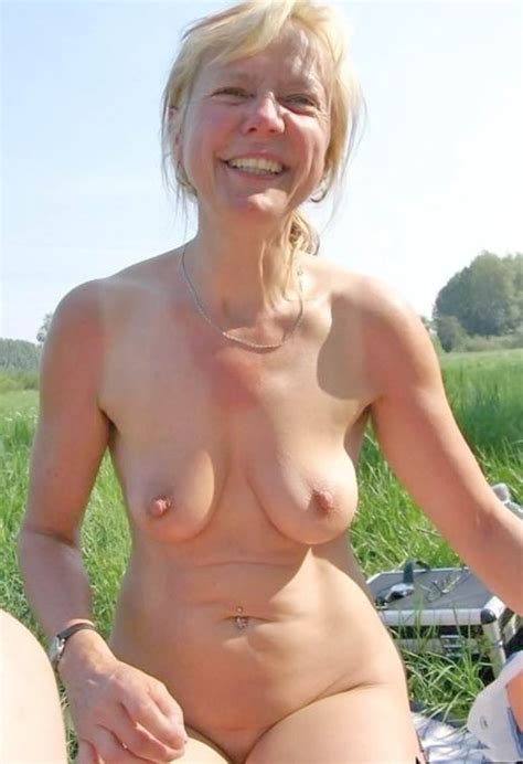 beautiful mature naked adulte archive