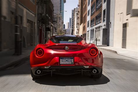 Alfa Romeo Dealerships by Alfa Romeo U S Dealerships Say Deposits For The 4c Are