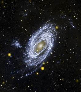 APOD: 2007 May 15 - Bright Spiral Galaxy M81 in ...