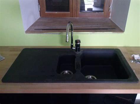 pose evier cuisine pose de la robinetterie de l 39 évier et pose de la crédence