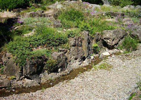 Wasserstelle Im Garten by Beispiele Quelle Bachlauf Wasserfall Mit Wasser Den