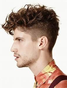 Coiffure Homme Bouclé : coupe de cheveux frisee ~ Melissatoandfro.com Idées de Décoration