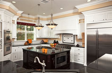 40 Beautiful White Luxury Kitchen Decor Ideas  Instaloverz