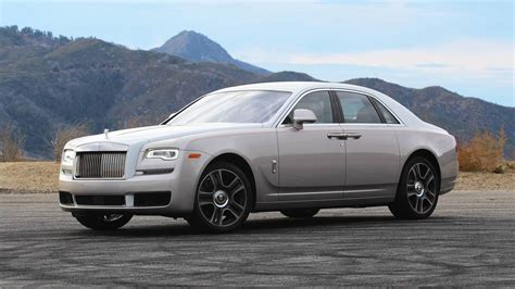 roll royce ghost 2018 rolls royce ghost review living like the one percent