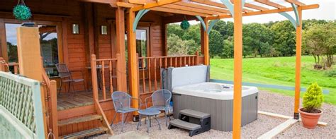 log cabin tub breaks uk welcome to forest view retreat log cabin holidays uk