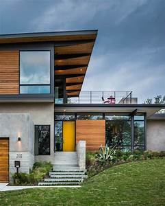 Modern House with a Concrete and Wood Facade