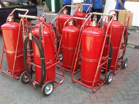 supplier alat pemadam kebakaran dan jasa refill apar jakarta distributor alat pemadam api jasa refill apar surabaya 0822 3055 7911 distributor alat pemadam api 0822 3055 7911