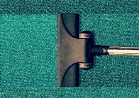 nettoyer tapis retrouver la couleur duorigine de votre tapis bicarbonate de soude et eau