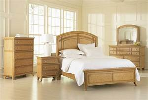 attractive light wood bedroom furniture sets and design