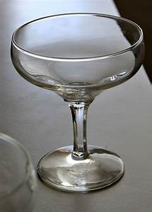 Coupe à Champagne : types of champagne glasses ecofren f b community ~ Teatrodelosmanantiales.com Idées de Décoration