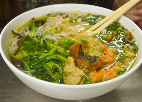 Top 10 Vietnamese Food  Introduction To Eating In Vietnam