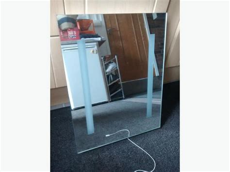 Electric Light Up Bathroom Mirror With Shave Point