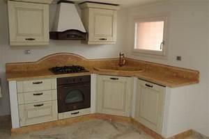 Foto piani di cucina in marmo e pietra vendute a prezzi affare for Marmo piano cucina