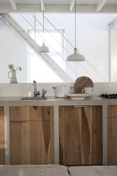 Arbeitsplatte Aus Holz by Arbeitsplatte Aus Beton Und Unterschr 228 Nke Aus Holz