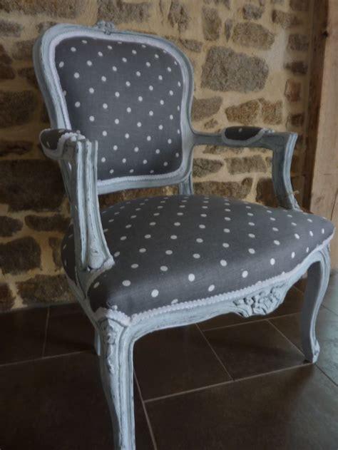tissu pour recouvrir canap tissus pour recouvrir fauteuil 28 images cuisine