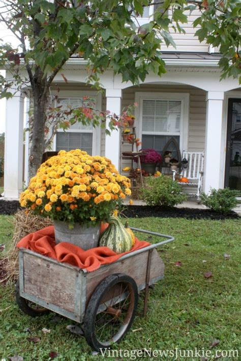 amazing fall front yard decorations   fascinate