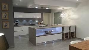table ilot central cuisine elegant ilot central avec With prise pour ilot central cuisine