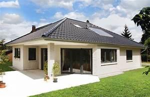 Fertighaus 100 Qm : bungalow mit ausgefallener terrassenvariante elbe haus ~ Lizthompson.info Haus und Dekorationen