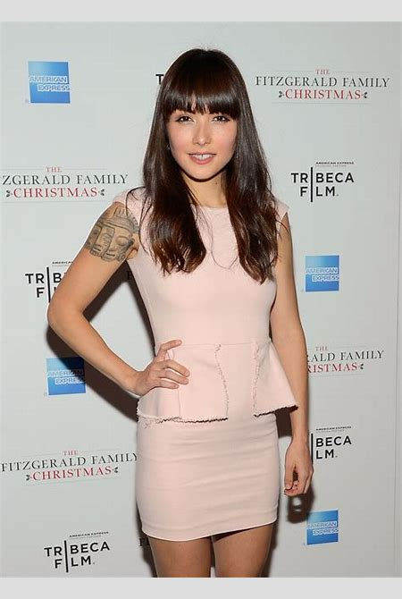 Hottest Woman 5/24/15 – DANIELLA PINEDA (American Odyssey)! | King of The Flat Screen