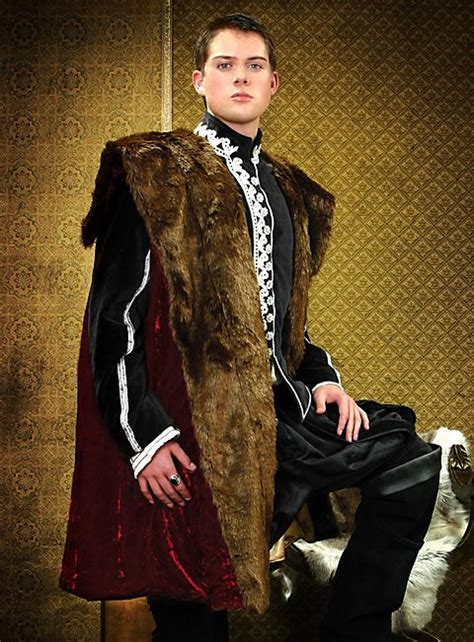 henry viii coat  fur collar  tudors
