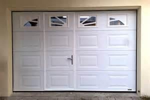porte de garage enroulable occasion porte sectionelle avec portillon lecuyer stores