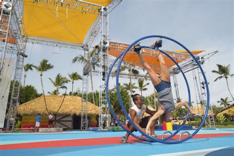 med punta cana chambre famille med creactive by cirque du soleil debuts in punta cana