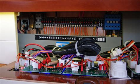 Marine Fuse Box Wiring by 12 Volt Basics For Boaters Boats