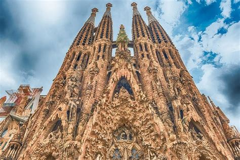 Top tourist attractions in Barcelona, Spain - Future.Travel
